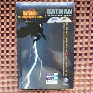 DC Comics: Batman - The Dark Knight Returns (Graphic Novel + Blu-ray + DVD)
