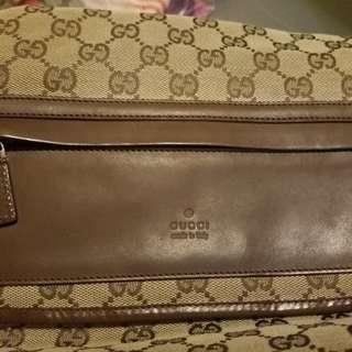 Gucci sling/crossbow bag