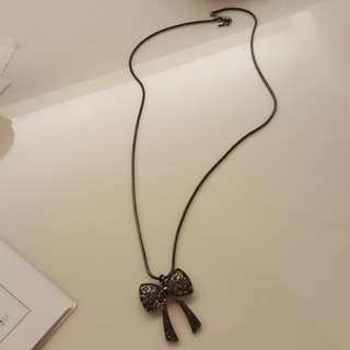 Ribbon long necklace