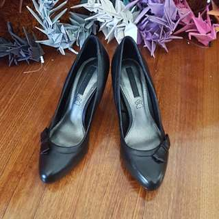Real leather high heels Size7