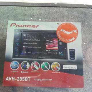 Pioneer car stereo - AVH 285BT