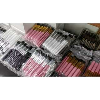 One Color 10 pc Make Up Brush