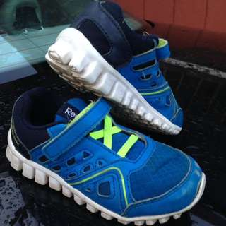 Reebok kids shoe