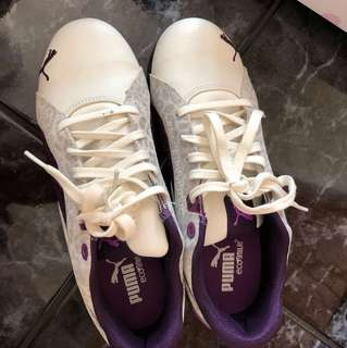 Size 5.5 puma white purple shoes