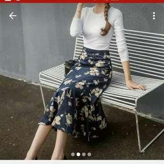 深藍燈芯絨大裙擺魚尾裙