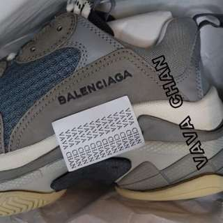 Balenciaga triple s grey 灰色巴黎世家鞋