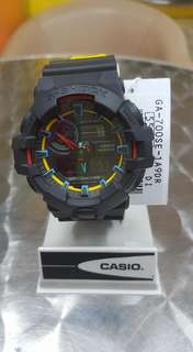 G-SHOCK ga700se-1a watch (authentic)