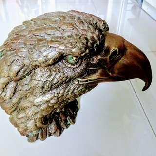 🚚 老鷹頭銅雕