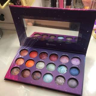 Galaxy bh eyeshadow palette
