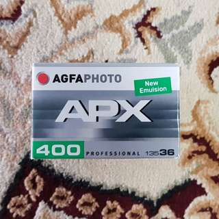 Agfa APX 400 Black & White Fresh Film ( iso 400 ) 35mm 135 format