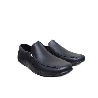 sepatu-karet-sepatu-formal-anti-air-hujan-atwood-edition