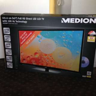 "40"" Flatscreen TV"