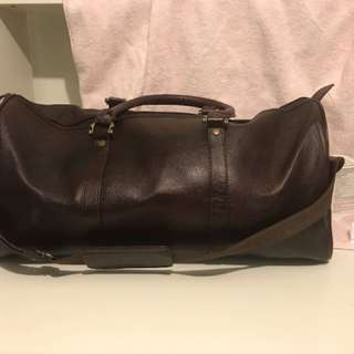 Unisex leather weekend bag