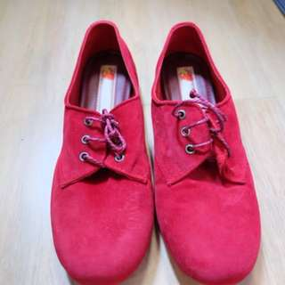 Khakikakiku Red Shoes