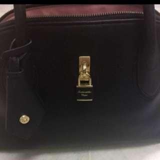 Reduced Price-Authentic Samantha Vega Handbag