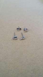 小鑽石鎖匙耳環
