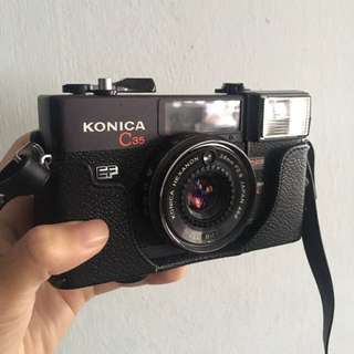 (Near mint) Konica c35 EF 35mm film camera