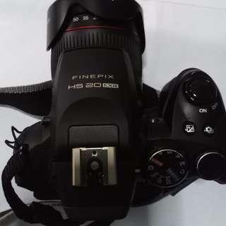 WTS: Fujifilm HS20 EXR camera