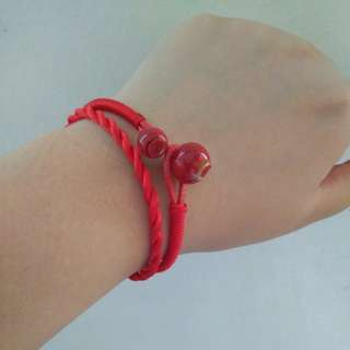 Lucky red bracelet original