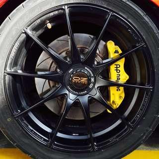 18 inch OZ rims with Pirelli tyres