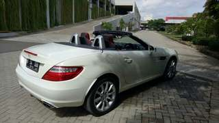 Mercedes Benz SLK 200 AT 2012 White Perfect Condition