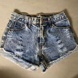 Acid Wash Jeans Short