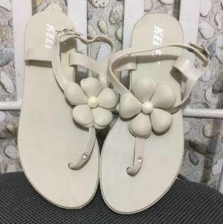 Cream Floral Sandals