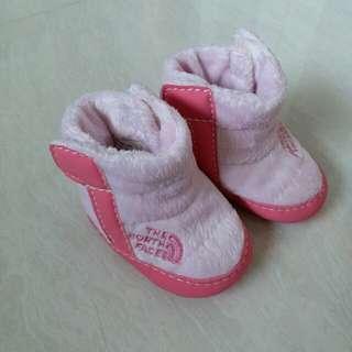(包郵)THE North Face  ,新年bb保暖鞋,粉紅色毛毛,腳長7cm