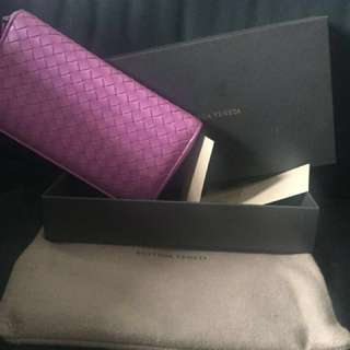 AUTHENTIC BOTTEGA VENETA ZIP AROUND WALLET
