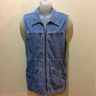 Blue sleeveless vest cardigan jeans jacket