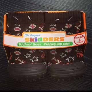 New skidders shoe (12mths)