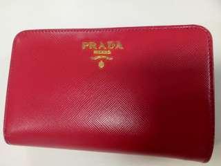 🚚 Authentic Prada Wallet