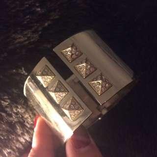victoria secret golden bracelet with package