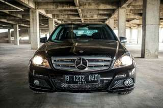 Mercedes Benz C200 Hitam 2012 AVG Good Condition