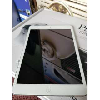 Apple IPad Mini 2 With Retina Display 16 GB Wifi Only