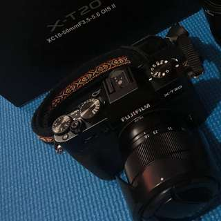 Fuji X-T20 with kit lens XC 16-50mm PHP 45k
