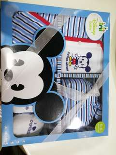 Disney Baby Newborn Gift set