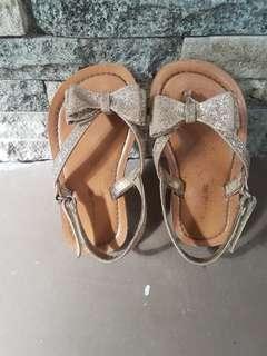 Sandal gliter