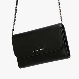 CHARLES & KEITH WALLET ON CHAIN ORIGINAL