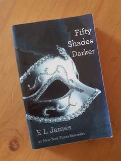 Novel preloved Bahasa Inggris: Fifty Shades Darker