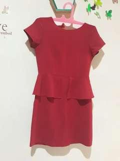 Dress cole merah