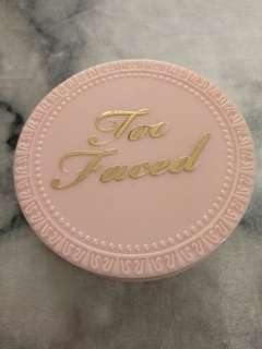 Too faced primed and poreless pressed setting powder