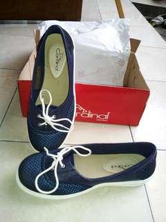 Sepatu slip on cardinal