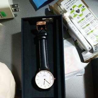 dw  全新手錶