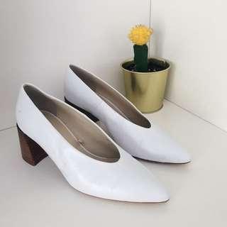 Zara white retro pumps with wooden heel