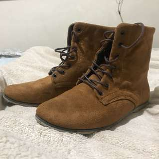Mid cut boots