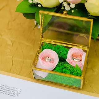 Decoration box for wedding rings