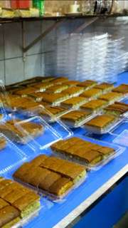 Hiap Joo banana cakes and YongSheng (荣成礼坊) products