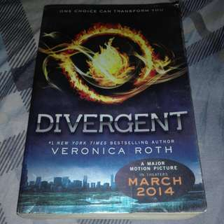 Divergent: Pre-loved but GC