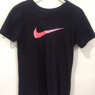 Nike top size S